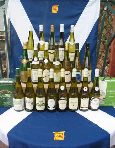 Muscadet_bottles