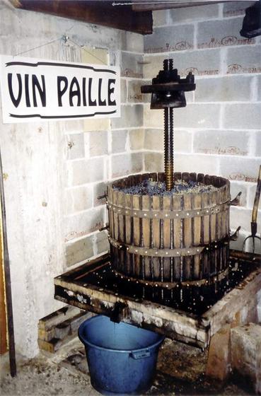 Press_vin_de_paille